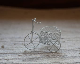 Small white metal bike. Mini bicycle accessory for dolls. Smal bicycle home ornament. White home decoration. Metal bike for floristic decor.