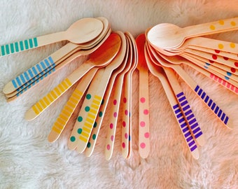 Small wooden spoons too cute for birthday gouters