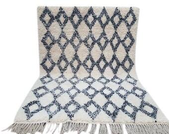 Moroccan  rug Beni Ourain rug handmade 100% wool rug 9,8 / 6,5  feet
