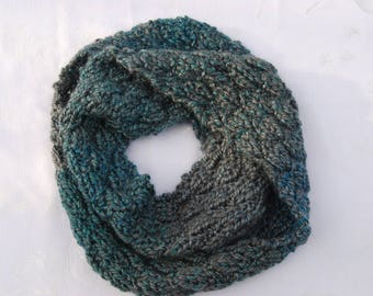 SALE!!!Chunky Handknit Infinity Scarf/Shades of Teal Blue and Gray/Variegated Wool-blend Kaleidoscope Yarn/Unique Valentine's Gift