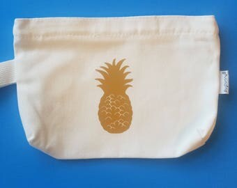 Pineapple cosmetic bag. Bachelorette party gift. Shower favor. Bridal party gift. Hostess gift.