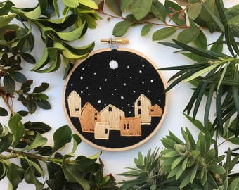Night town, Hand Embroidery Hoop Art, Stitched Art, Home Decor, Embroidery hoop, Fibre Art, Wall Hanging, Needlework, Sewing