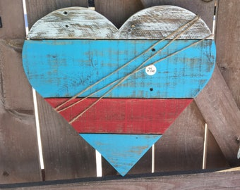 """Reclaimed Pallet Wood Heart """"Be Mine"""" Sign, Pallet Heart, Valentine's Day Sign, Valentine's Day decor, Valentine's Day gift"""
