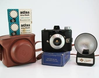 Vintage Agfa Clack Camera-1940 to 1945 Box Camera with Original Case, Flash and Bulbs