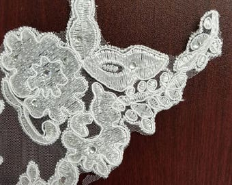 White embroidery flower applique with stud #B170606-3