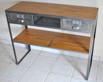 Dresser industrial style