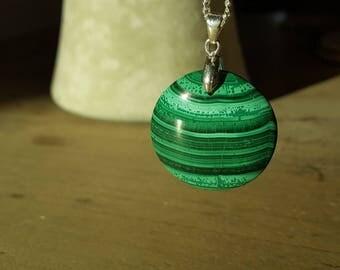 Malachite round pendant, balance, stability