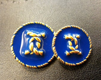 Chanel blue vintage buttons in small groups of 5 depending on the size.