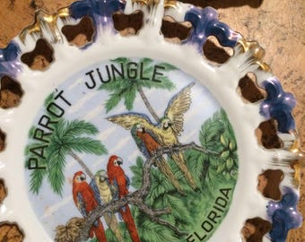 Vintage Souvenir Plates - Hawaii and Parrot Jungle, Miami, FL