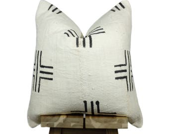 Authentic African Mudcloth Pillow Cover, African Mud Cloth Pillow | Cream & Black | 'Lalibela'