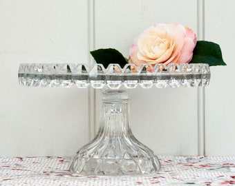 A striking vintage Art Deco 1930s pressed glass cake stand
