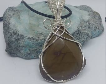 Wire wrapped jasper chalcedony