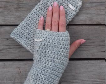 Crochet fingerless gloves, Texting gloves, Gray womens gloves, Handwarmers, Armwarmers, Wristwarmers, Touchscreen gloves, Gift for her