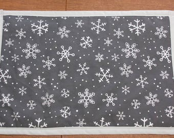 Christmas placemats, Holiday placemats, snowflake placemats, country Christmas , placemats, snowflake decor, new years decor, table setting