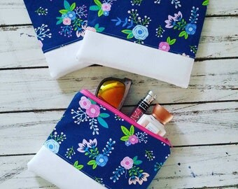 Navy Floral/white Vinyl makeup bag,cosmetic bag,travel pouch,zipper bag,accessory bag,spring,pretty