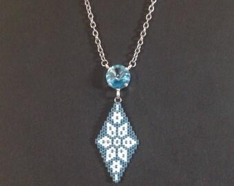 Pendant with pearls Miyuki 11 Swarovski cabochon peyote stitch chain