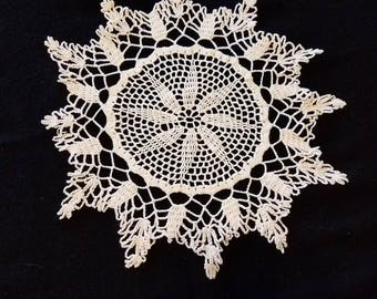 Vintage Star Patterned Doily Crocheted Dresser Scarf White Table Cover