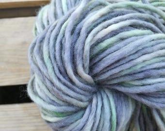March Handdyed Yarn – Bulky wool - laine teinte Art Yarn knitting tricot single ply