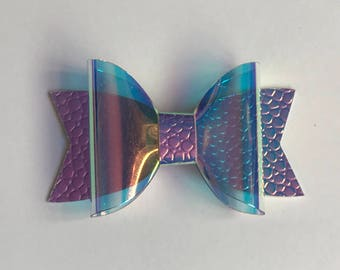 Holographic small dolly bow with purple colour changing leatherette