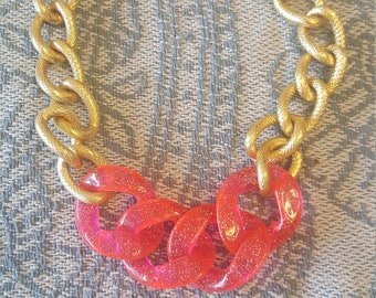 Chain metal and acrylic choker necklace