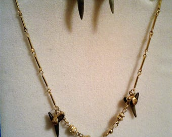 Gold Tone Shark's Tooth Necklace and Earring Set #63