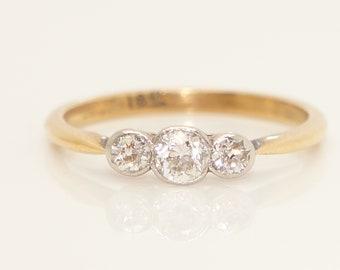 Antique/Vintage 18ct Gold Three Stone Trilogy 0.25 CTW Diamond Ring, Size O