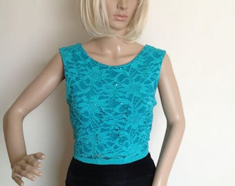 Green lace top with v back in medium size