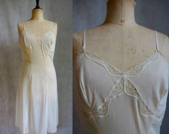 1940 Slip / Vintage Nightgown