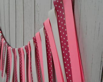 Pink paper garland, paper garland strips, pink birthday party decorations, pink baby shower, garland paper, banner paper, banner party.