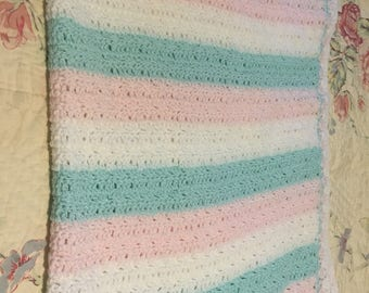 Crocheted baby afghan - new