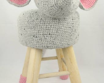 Animal stool mouse