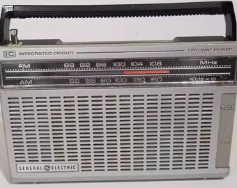 Vintage GE Integrated Circuit 7-2650A Radio