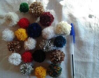 SET of 20 tassels wool sweetness, colors vary, various sizes