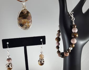 Mountain Path Agate pendant with bracelet and earrings