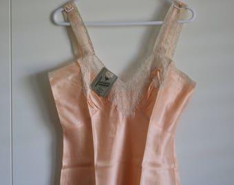 Vintage 30s pale pink slip deadstock