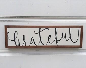 Grateful wooden sign, rustic elegance