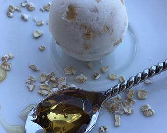 Honey Oat Bath Bomb