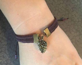 Pinecone Bracelet - Hemp Bracelet / Hippie Bracelet / Nature Bracelet / Macrame Bracelet / Boho Bracelet