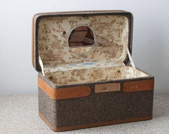 Vintage Hartmann Luggage Tweed and Leather Train Case with Lucite Hand Mirror