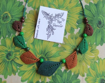 Forest leaves Macrame Necklace
