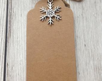 Christmas gift tags, snowflake gift tags, Christmas place setting, table setting, christmas decoration, gift wrapping.