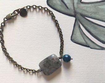 Bracelet/brass & gemstones