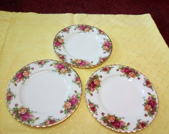 Vintage Royal Albert Old Country Roses Three Breakfast/ Luncheon/Appetizer/Salad Plates Inspired By English Country Gardens In Full Bloom