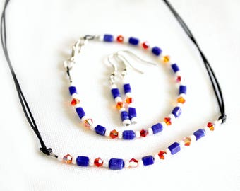 Set of jewelry we have three blue/white/orange