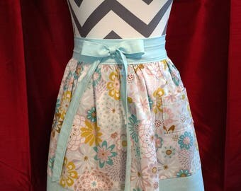 Retro style half apron
