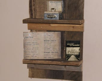 this is a cute affordable shelf. Looks good with any decor. Nice addition to your home.