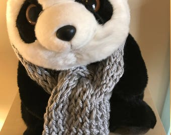 Crocheted Chunk Loop Scarf (Gray)