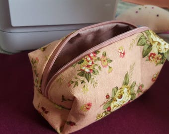 Pretty pink floral hand made makeup assessories zip bag