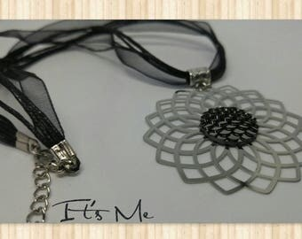"""Necklace """"Cobra"""" - embossed flower and cabochon cobra organza cord"""