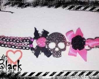Gothic skull pink and black bracelet. Chain bracelet. Goth fashion jewelry.